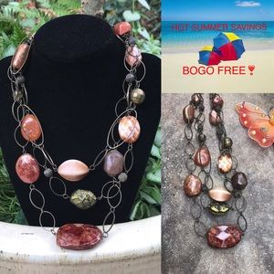 Jewelry - 🏖Costume Jewelry- Gorgeous Layered Necklace🏖